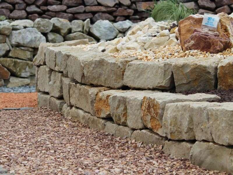 Mauersteine mediterran dolomit steinakzente for Mauer mediterran