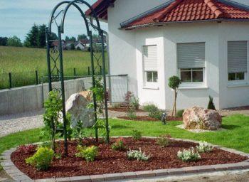 Pinienrinde Vorgarten