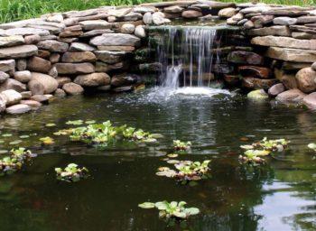 Wasserfall in Trockenmauer