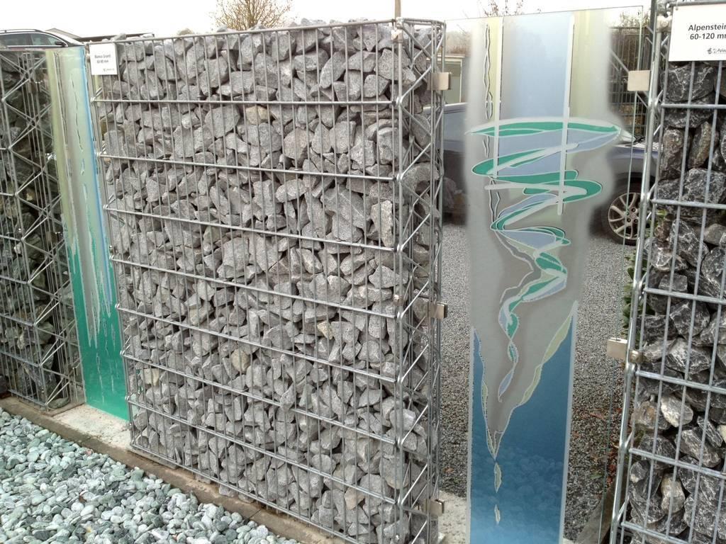 Glaskunst Gabionenwand