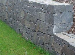 Basalt Trockenmauer