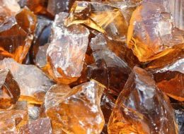 Glasbrocken amber-Mechernich