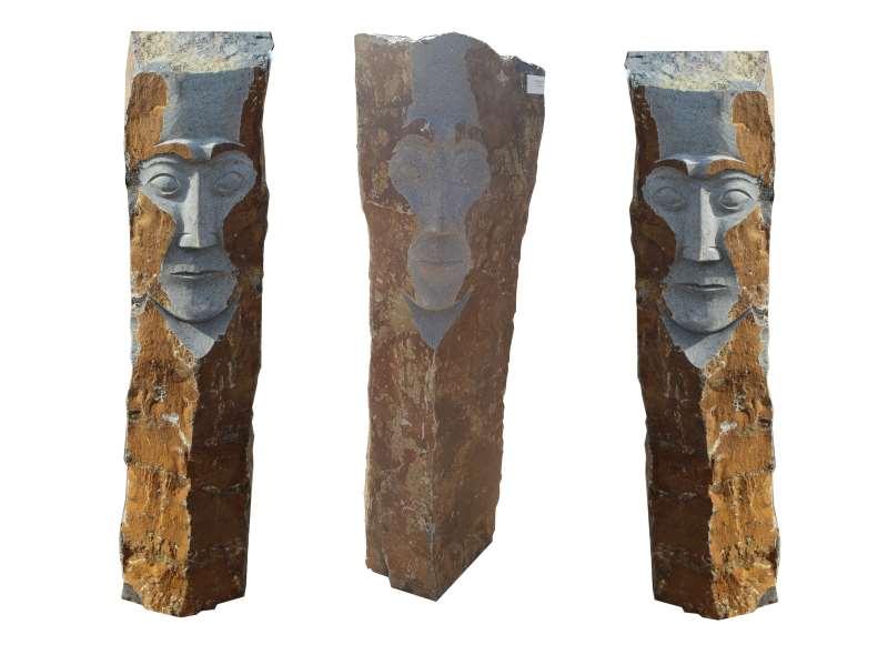 Basalt Stele Face Gruppe