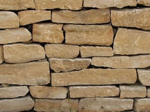 Tosca Trockenmauer
